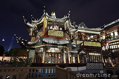 Yuyuan Garden Zigzag bridge, pavilion