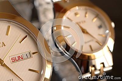 Złociści zegarki
