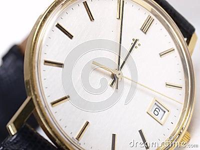 Złocisty zegarek
