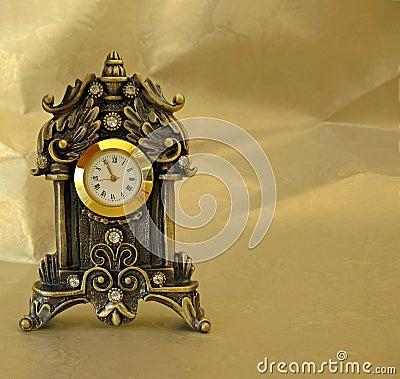 Złoty zegara