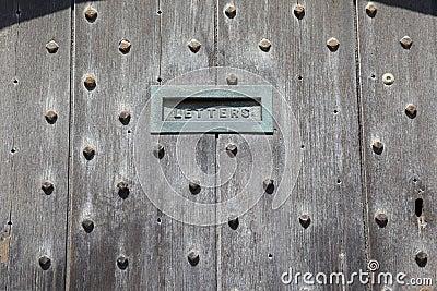 Z poczta szczeliną angielscy drzwi