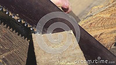 Zaag op plank dichte omhooggaand stock footage