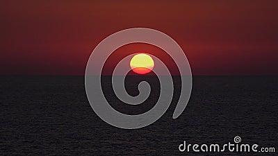 Zachód słońca morski, wschód słońca na wybrzeżu, ocean na zachód słońca latem, zmierzch zbiory wideo