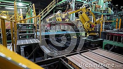 Zakład produkcji ceramicznych bloków konstrukcyjnych, technologia profesjonalna Materiał z archiwum Maszyny robocze i wiele rzędó zbiory wideo