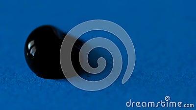 Zbliżenie kropla czarna farba zbiory