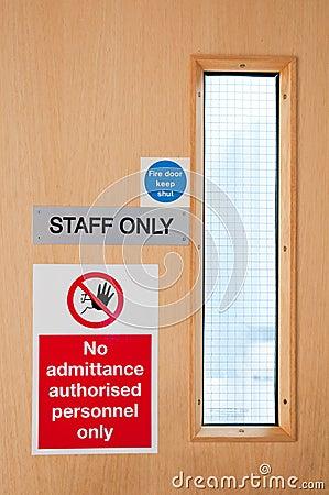 Zeichen des Personals nur am Labor