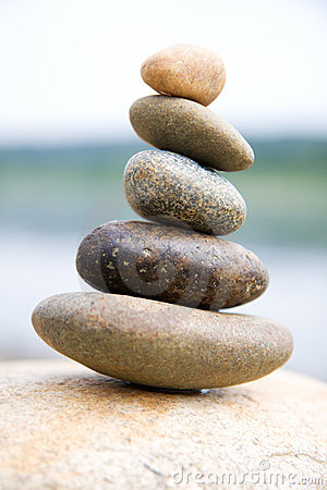 Free Zen Like Stones Royalty Free Stock Images - 5553429