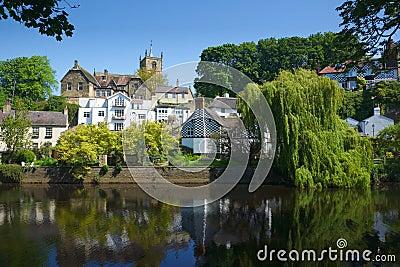 Ziehen Sie sich auf Hügel in Knaresborough, Yorkshire, Großbritannien zurück