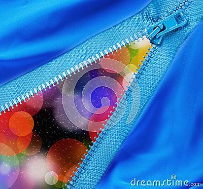 Zipper separates