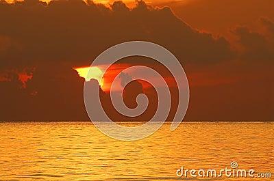 Zonsopgang over oceaan