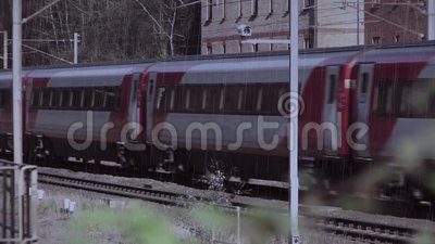 Zugschienen-Wettereisenbahn stock video footage