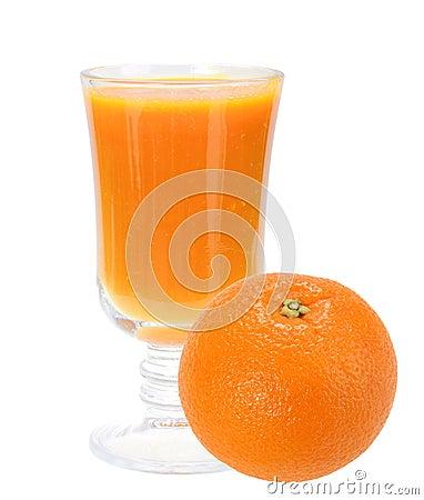 Zumo de naranja fresco y anaranjado-fruta llena