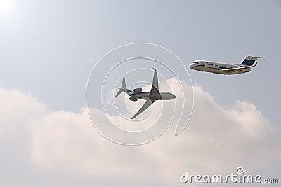 Zwei Flugzeuge