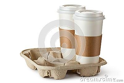 Zwei Nehmen-heraus Kaffee in der Halterung