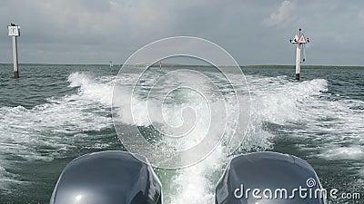 Zwolnione tempo pływa statkiem łódź zdjęcie wideo