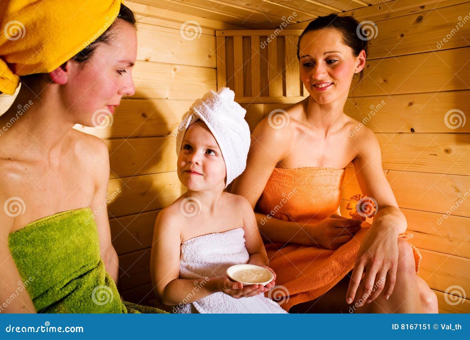 Вся Семья В Бане Порно Фото