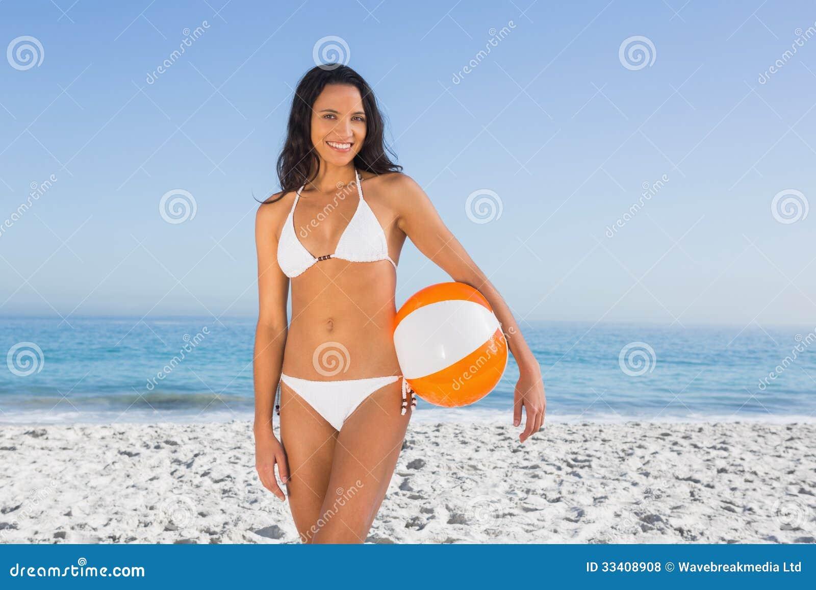 黑皮肤泳衣图片