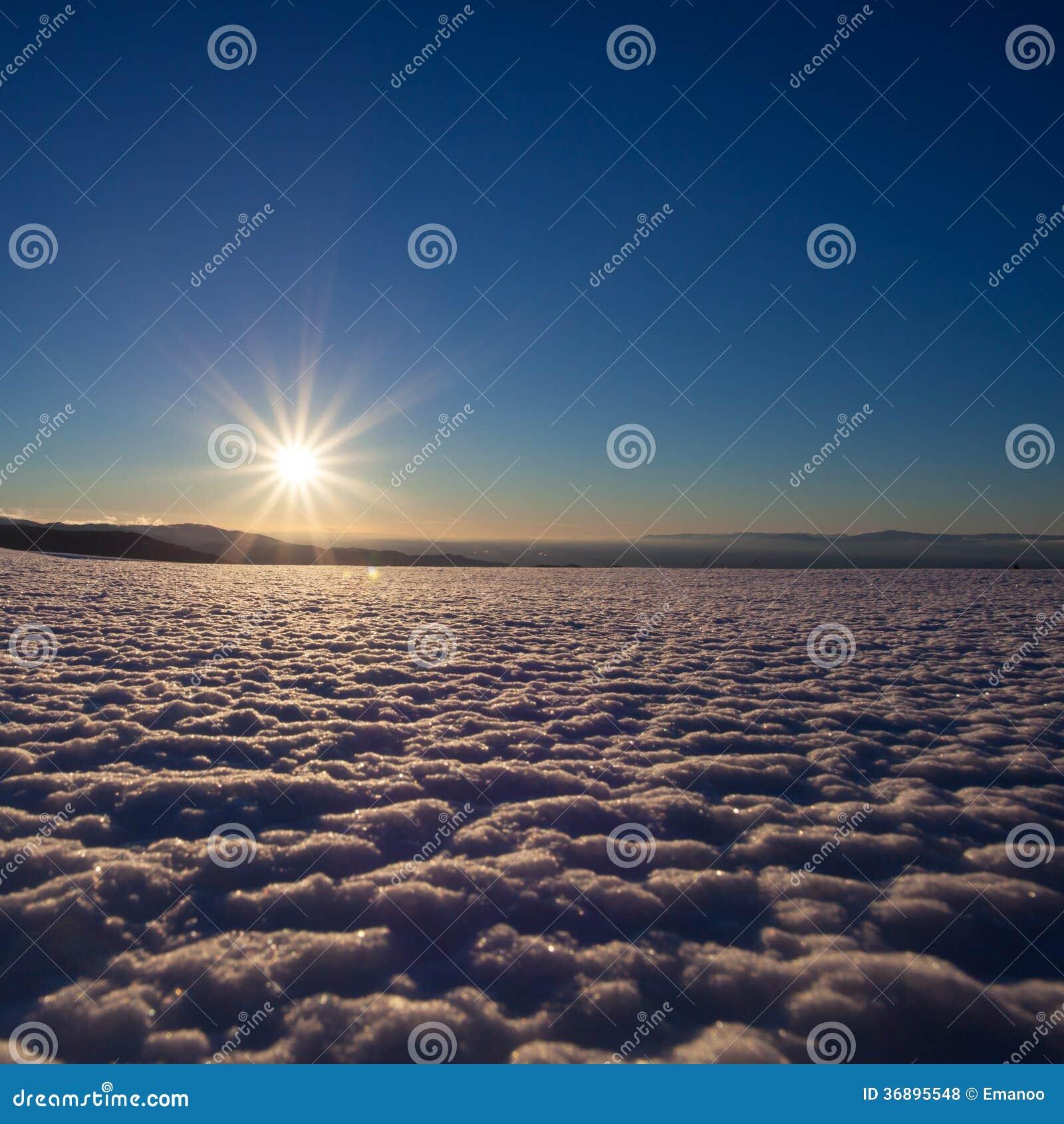 冬天风景在阳光下