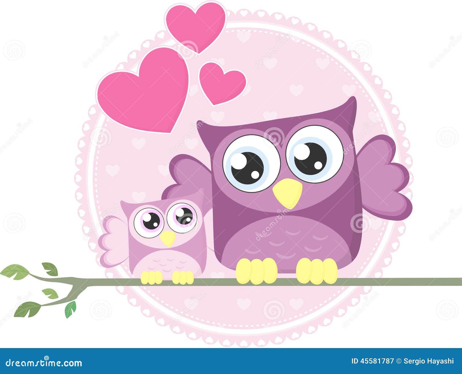 逗人喜爱的小猫头鹰和妈妈