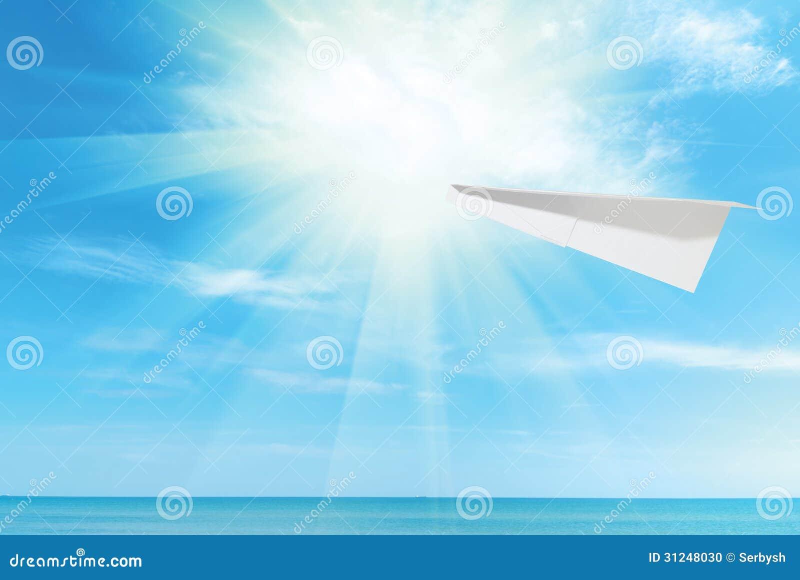 天空纸飞机图片素材
