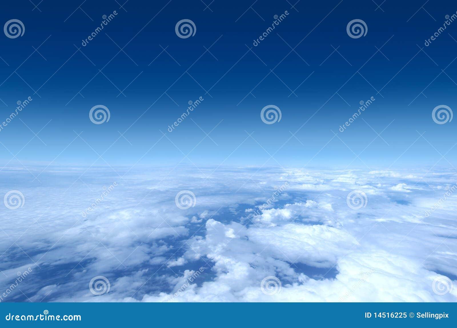 飞机射击天空 免版税库存照片
