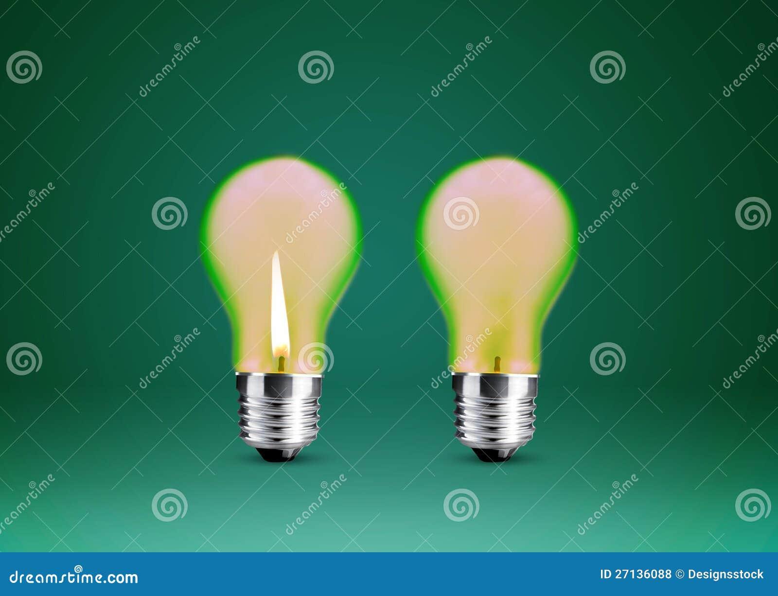 给蜡烛打蜡到电灯泡 免版税库存照片