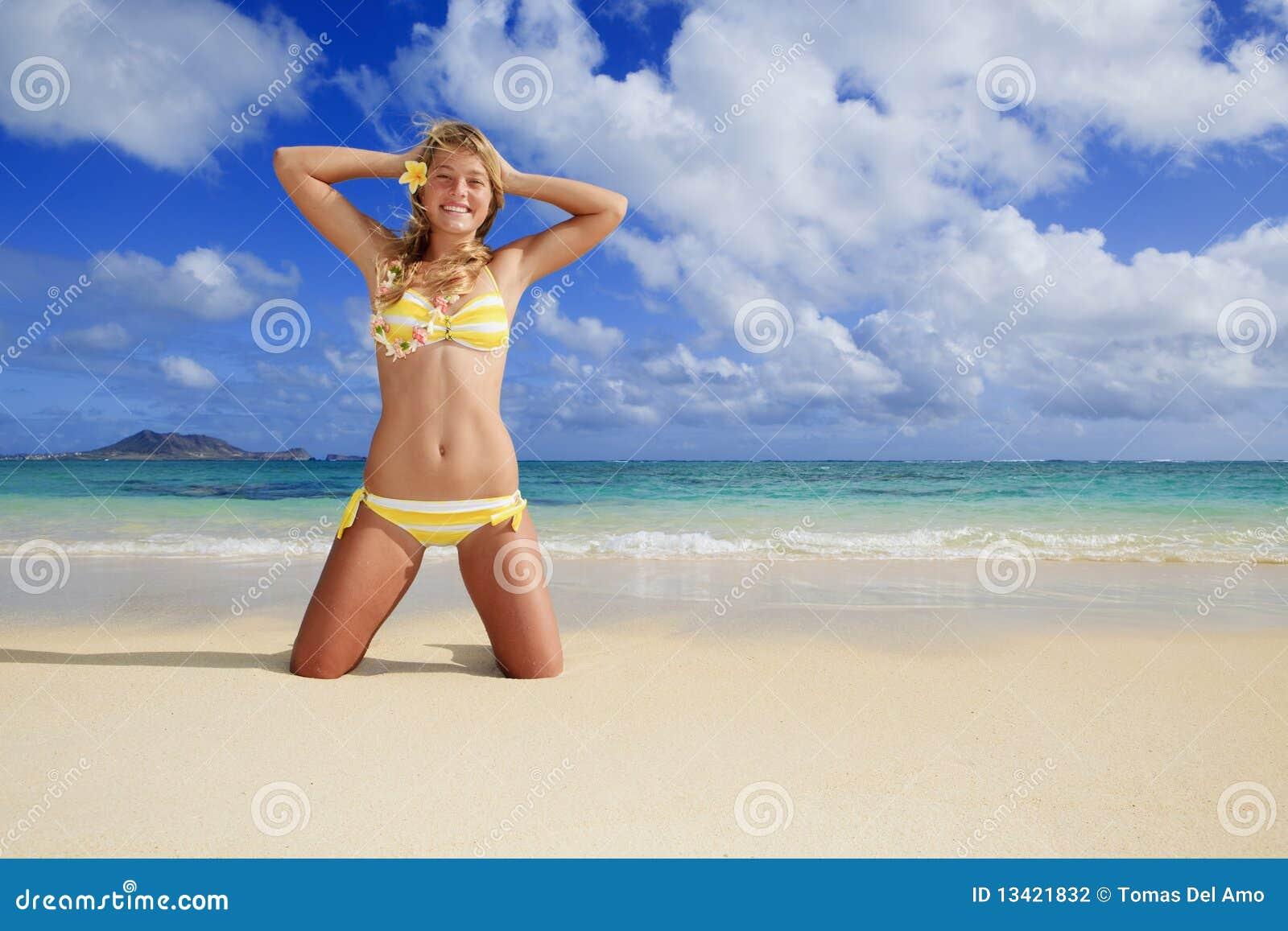 海滩比基尼泳装女孩夏威夷