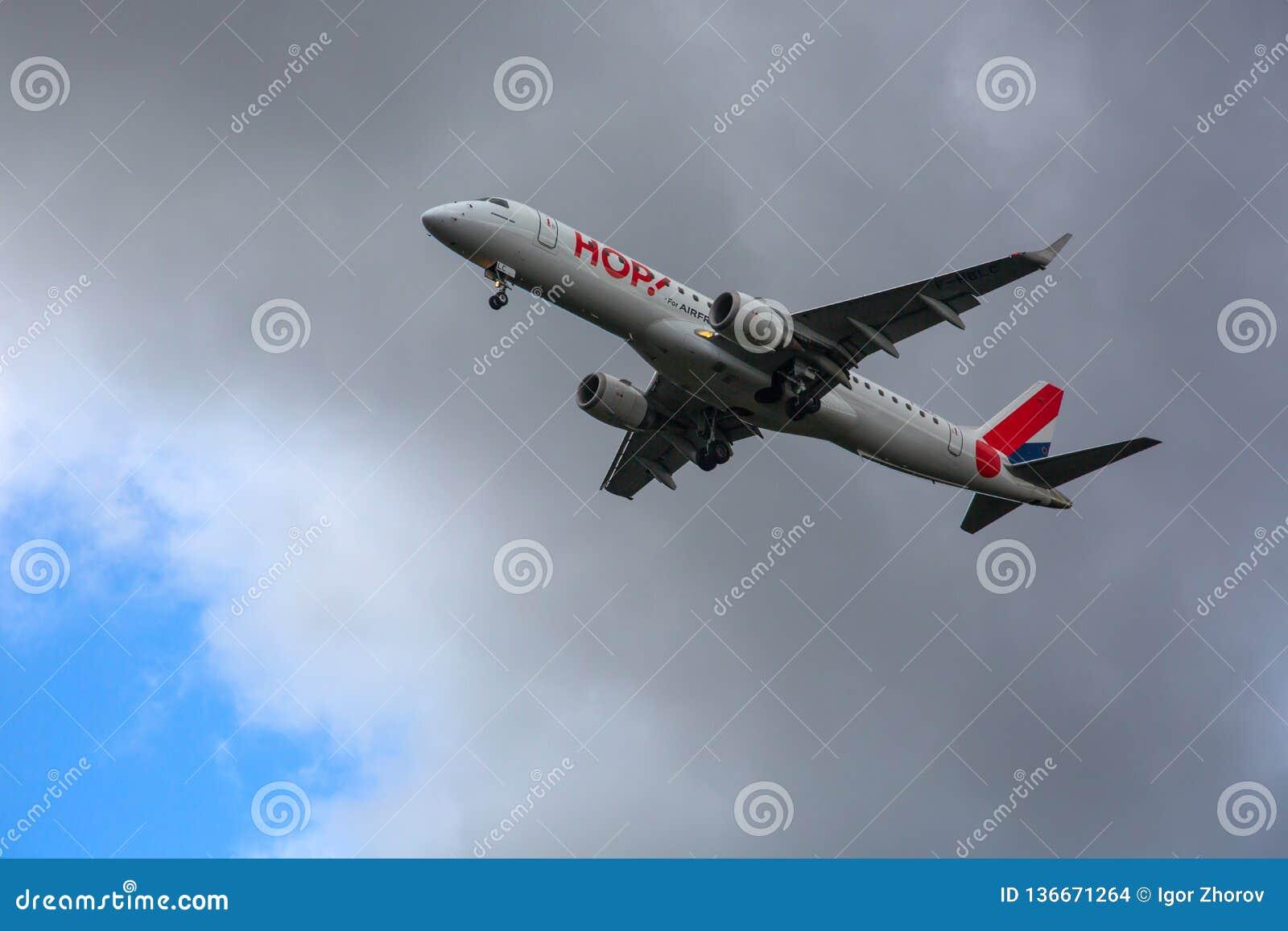¡SALTO de Embraer! acercamiento y aterrizaje