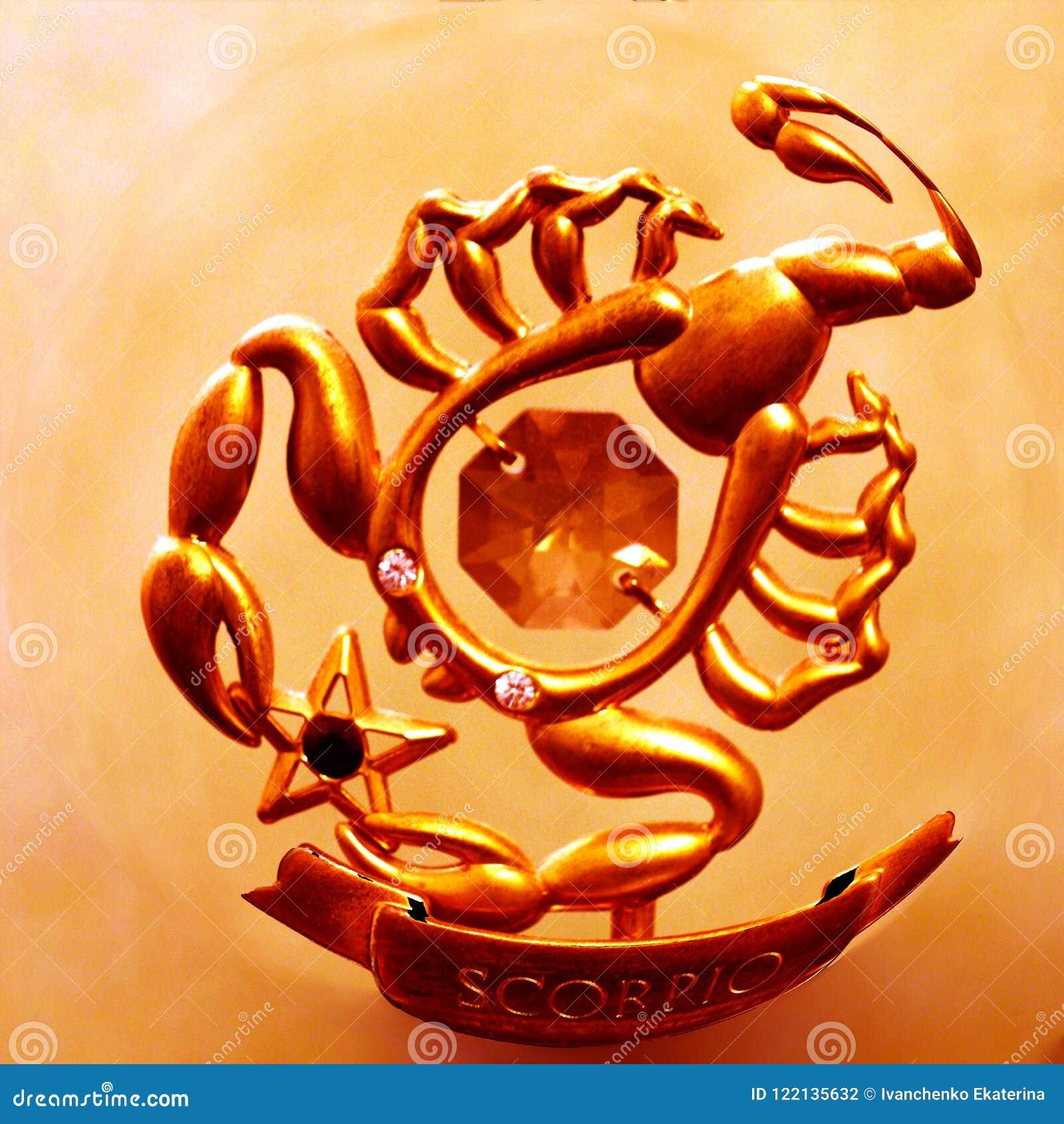 Un Escorpión Magnífico Del Color Oro Que Trae Buena Suerte Y Prosperidad Stock De Ilustración Ilustración De Ordenador Suerte 122135632