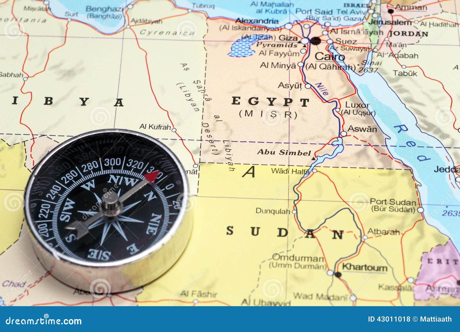 与指南针的地图