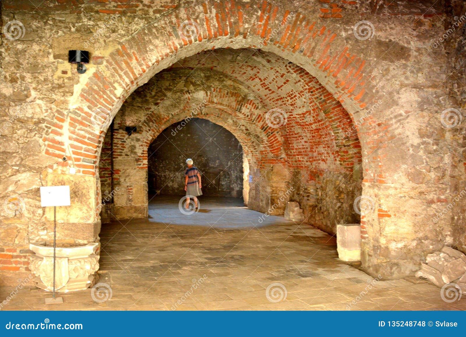 À l intérieur du château de Corvin ou du château de Hunyadi dans Hunedoara, la résidence du roi roumain de la Transylvanie, Iancu