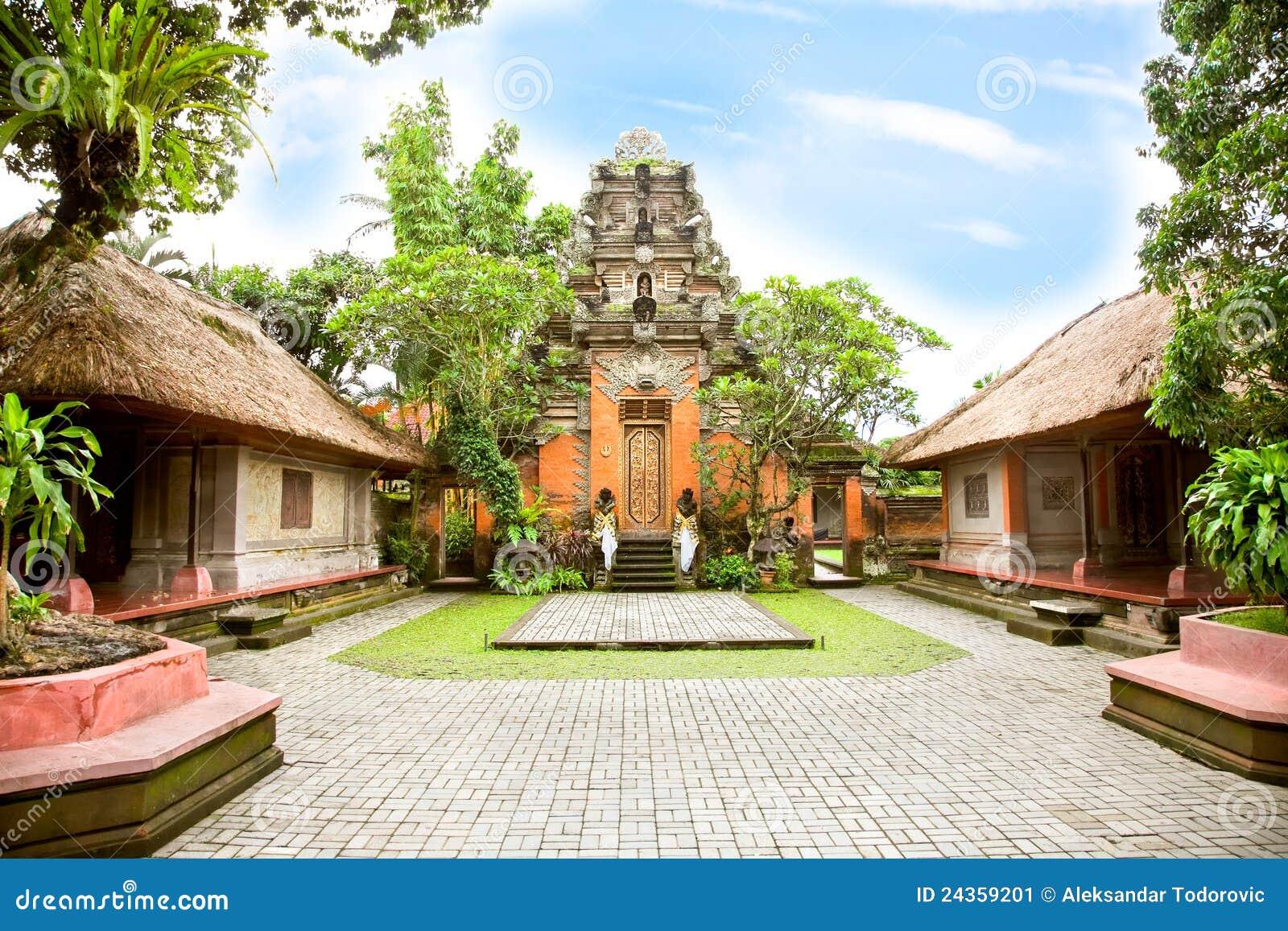 À l intérieur du palais d Ubud, Bali