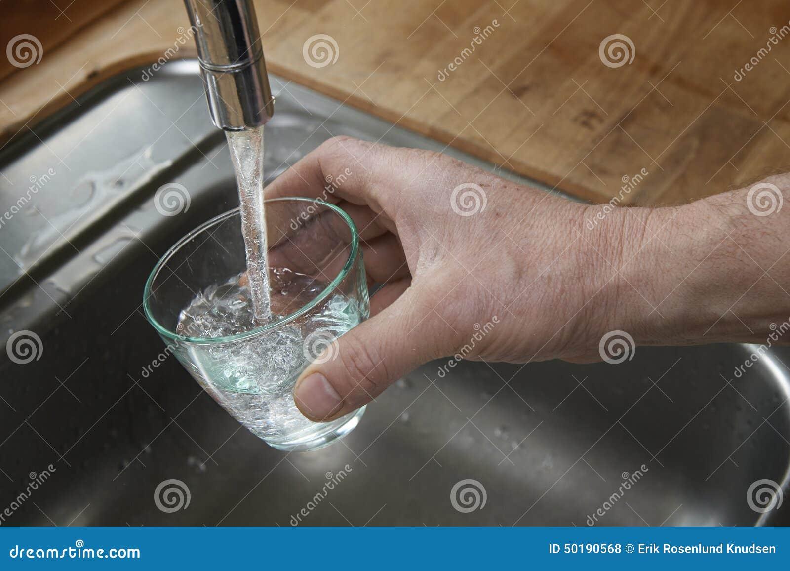 Água bebendo limpa