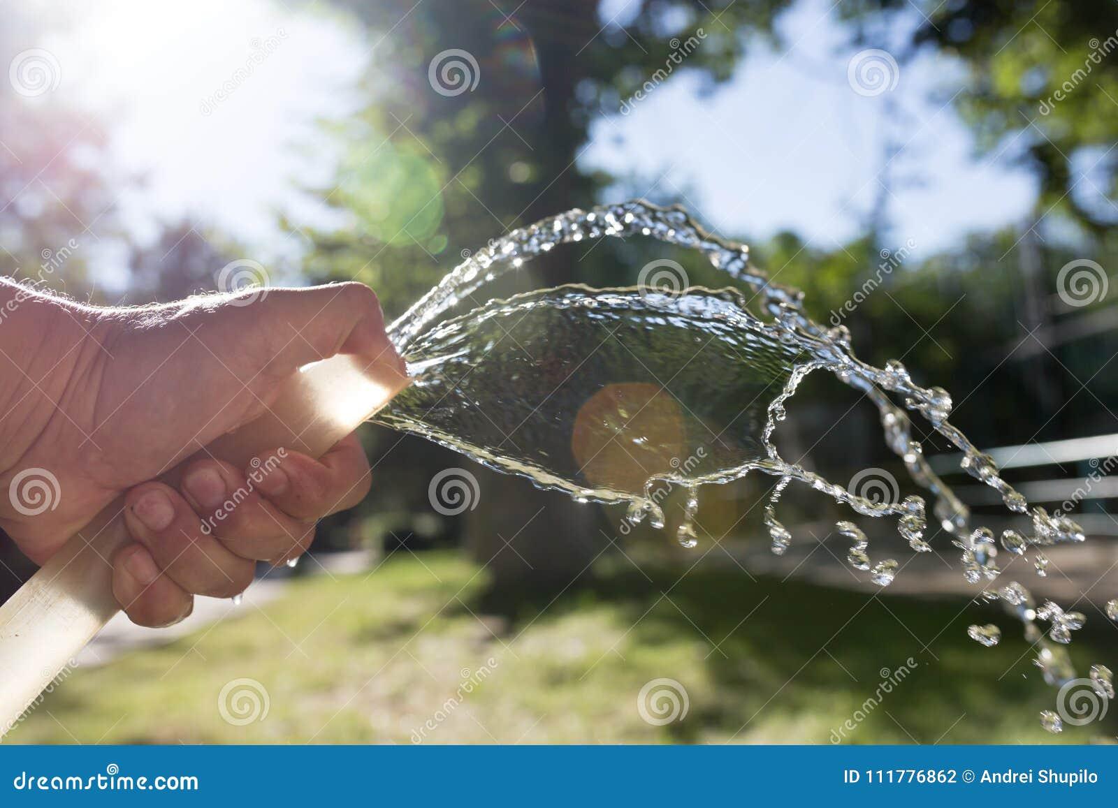Água da mangueira fora