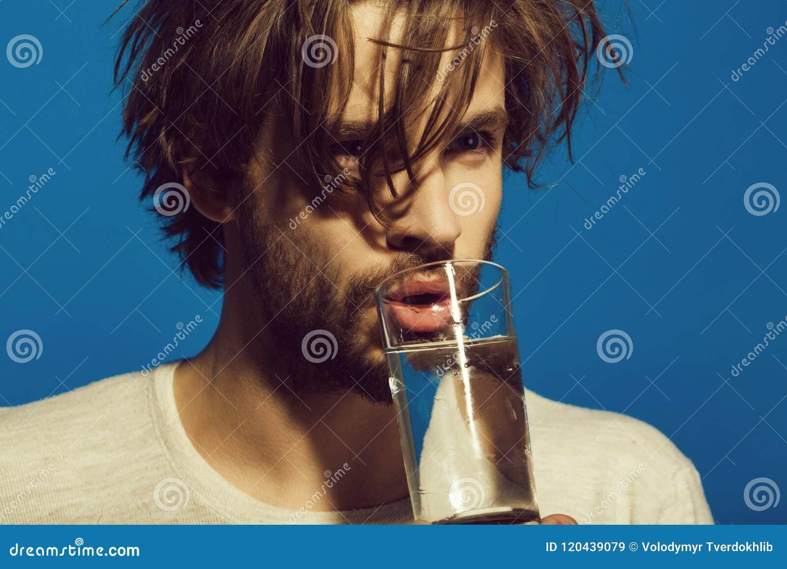 Água pura Equipe a droga da medicina da bebida com água do vidro