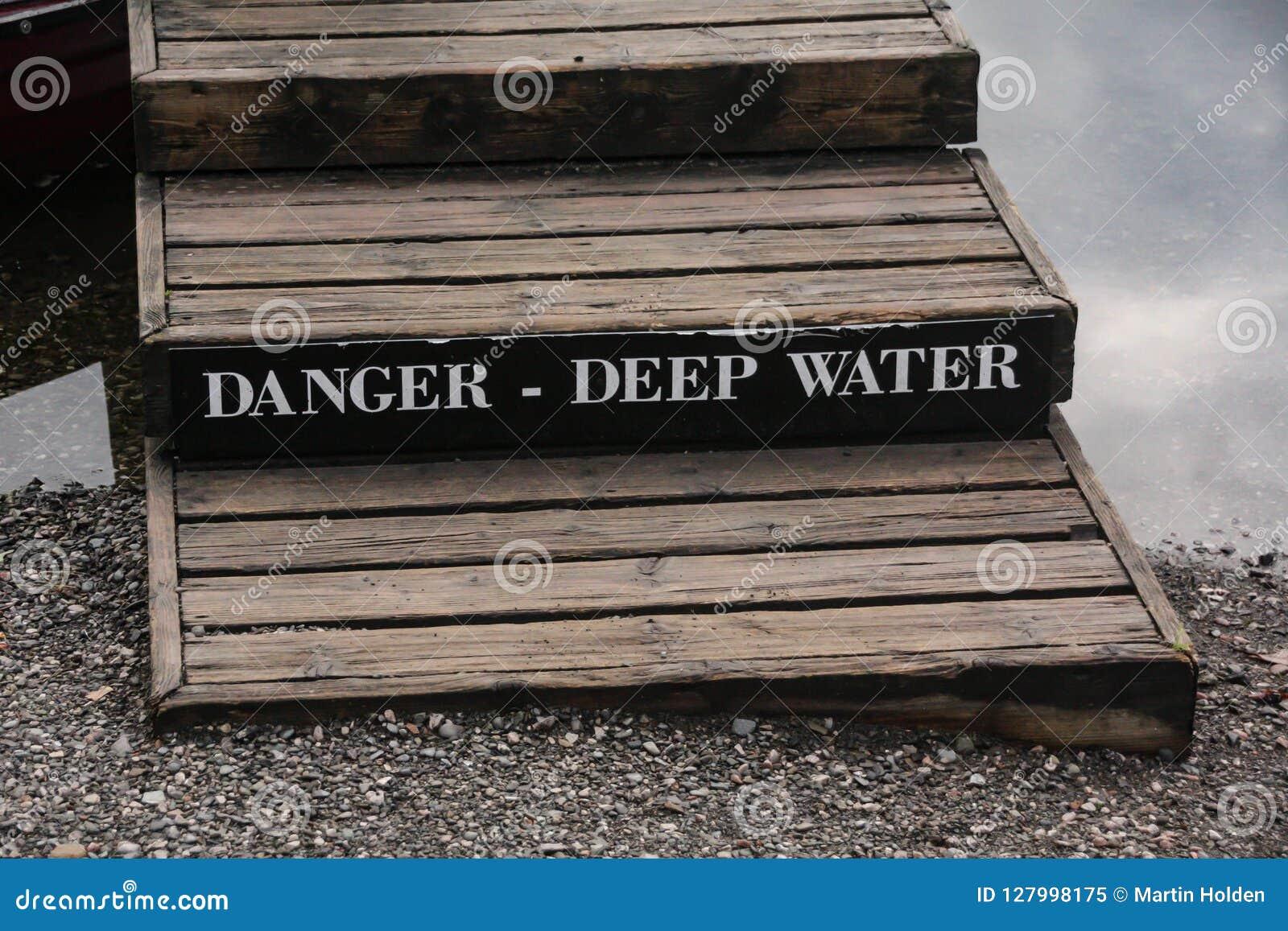 Águas profundas do perigo