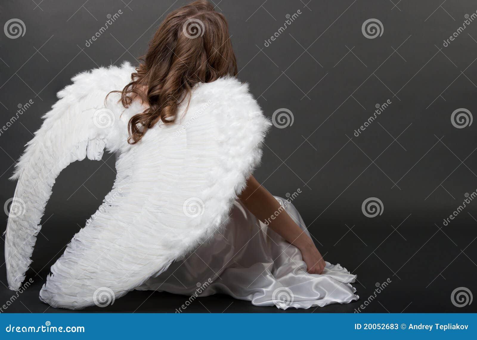 Ángel blanco hermoso