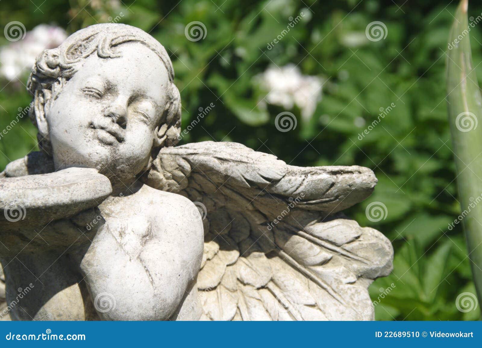 Ángel del jardín