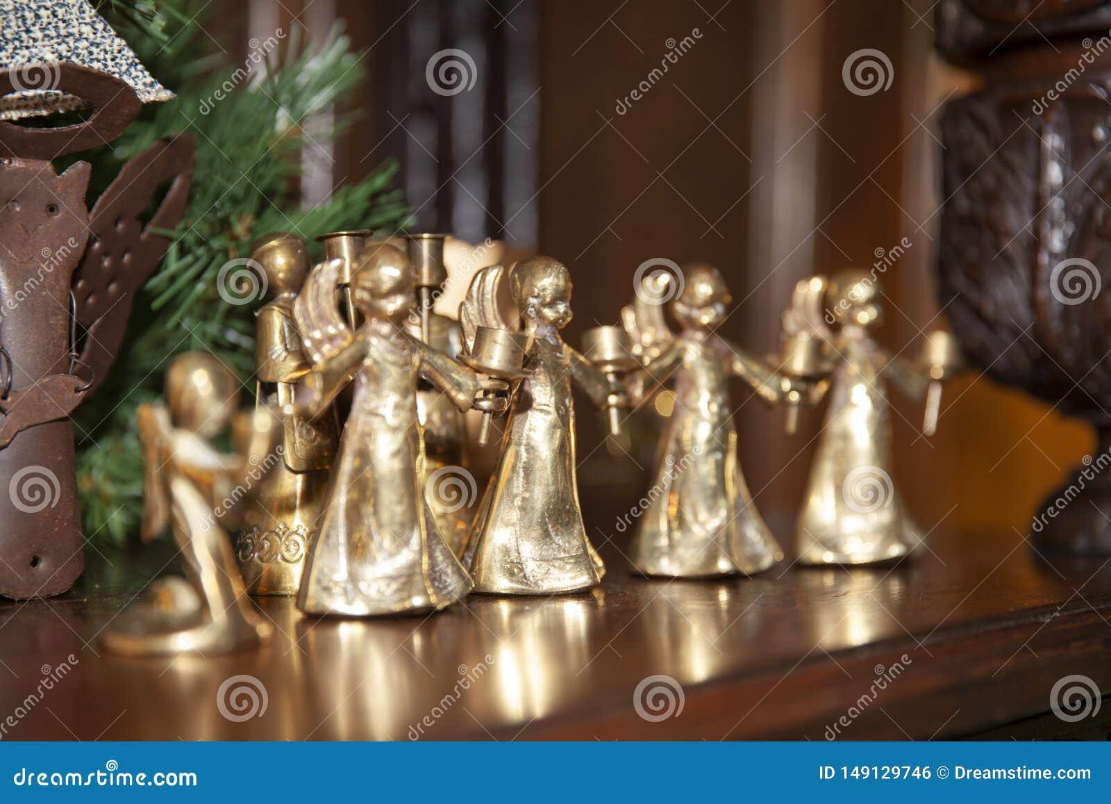 ?ngel del oro de la Navidad