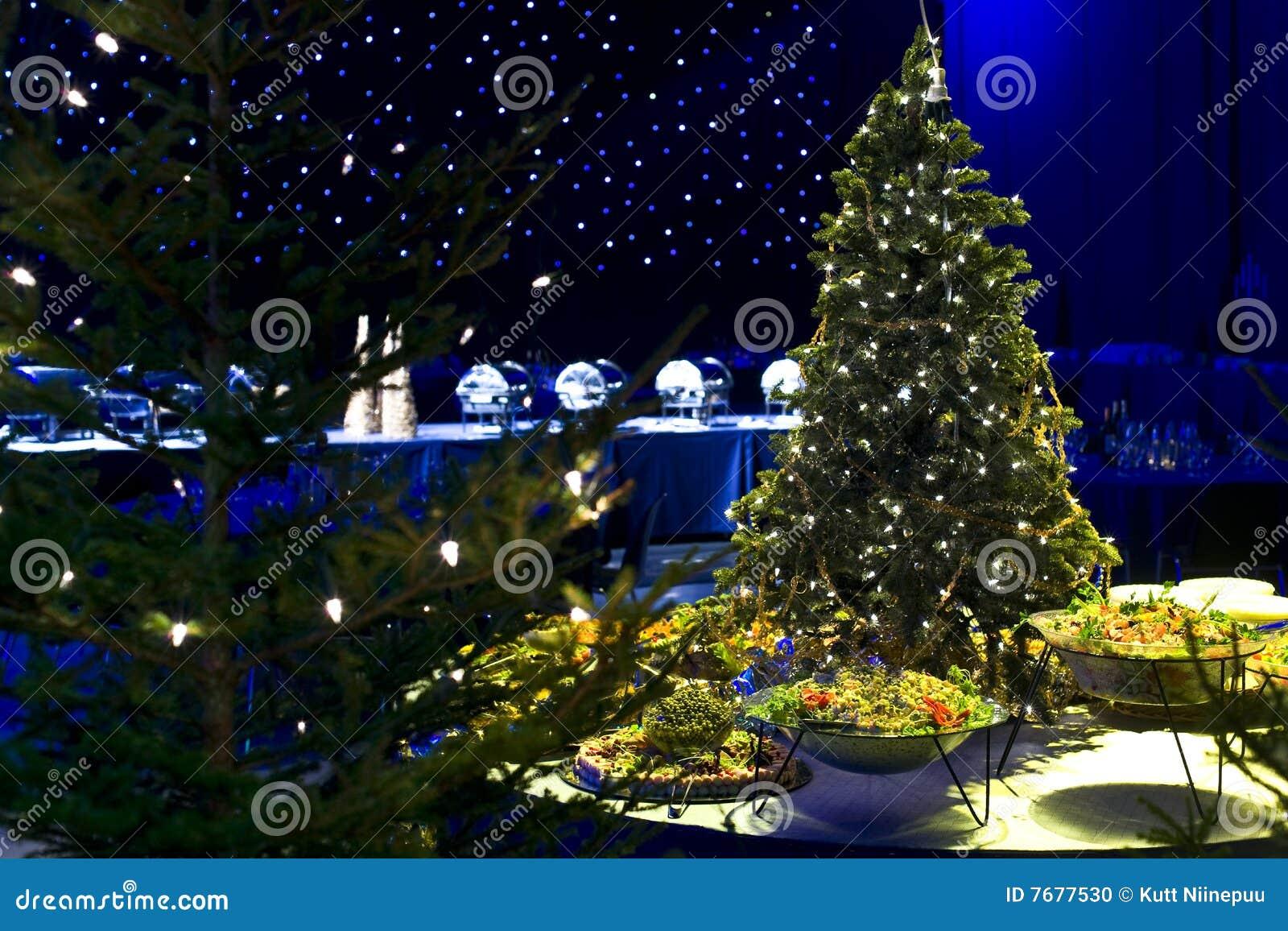 Árbol de Chrismas y alimento del partido