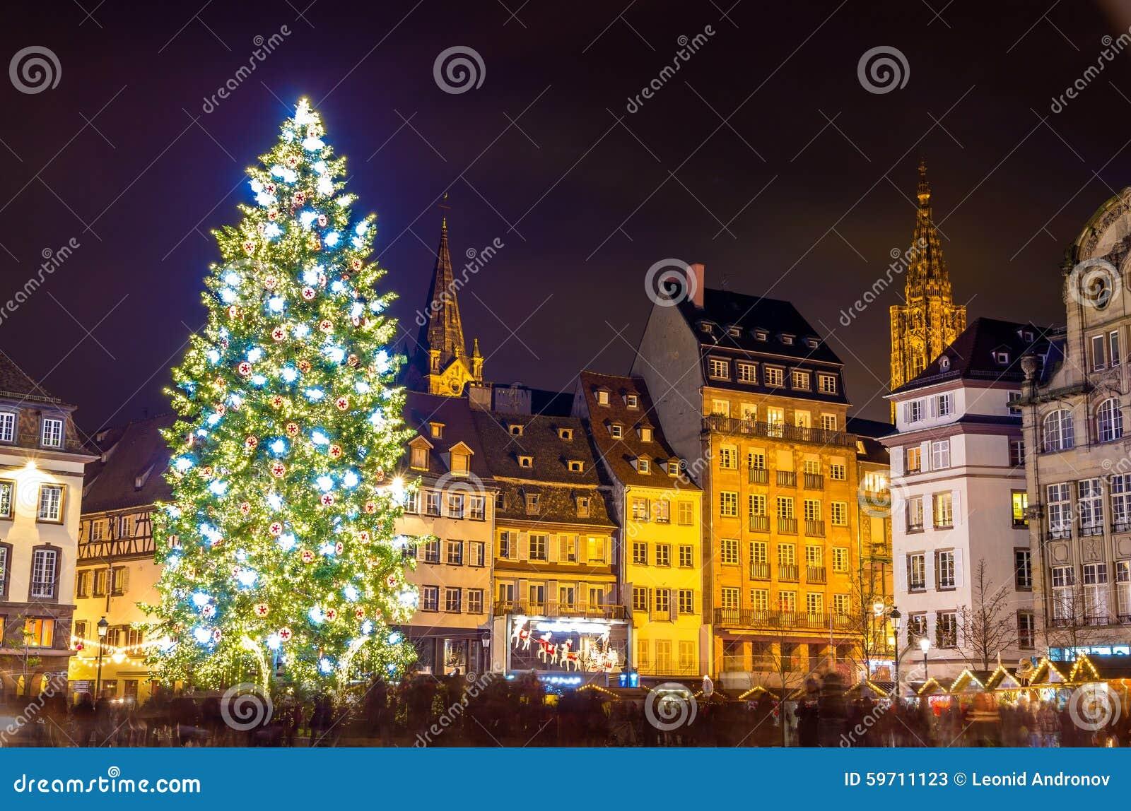 árbol De Navidad En Estrasburgo Capital De La Navidad Imagen De Archivo Imagen De Lugar Centro 59711123