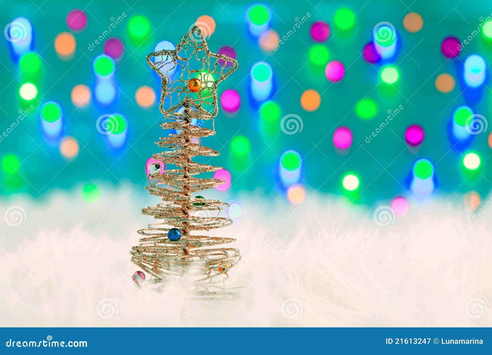 Rbol del alambre de la navidad en la piel y las luces - Arbol de navidad de alambre ...