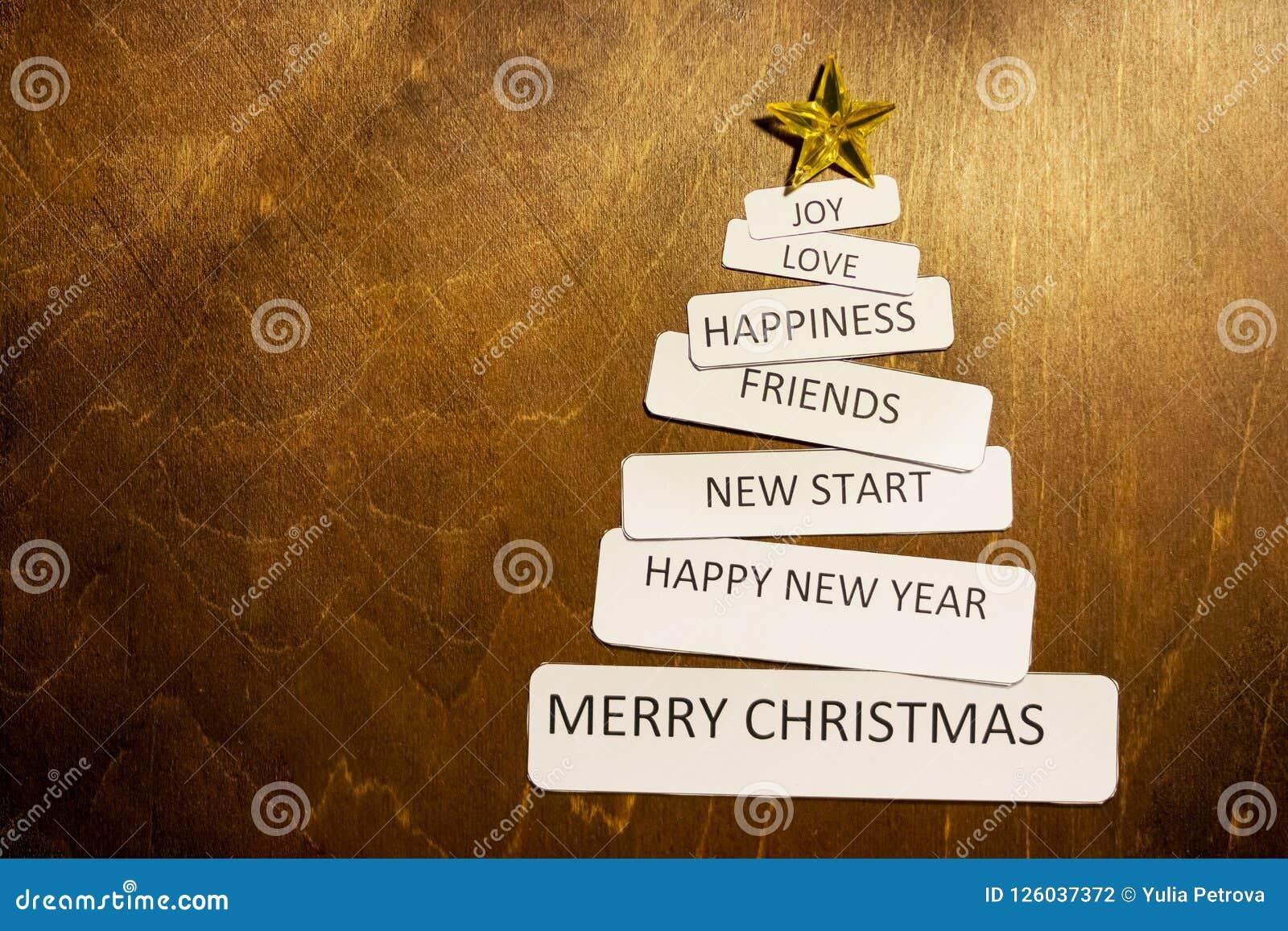 Árbol hecho a mano de la Navidad Estrella amarilla diseño retro del estilo, espacio de la copia Estilo de Minimalistic por Año Nu
