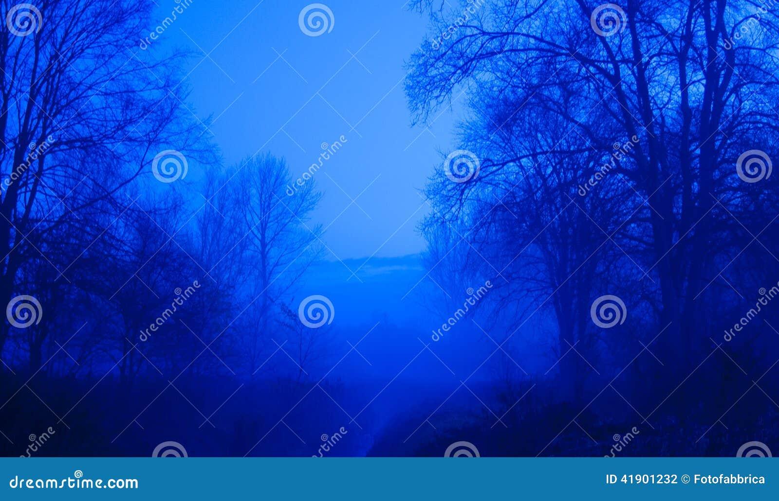 Árboles azules