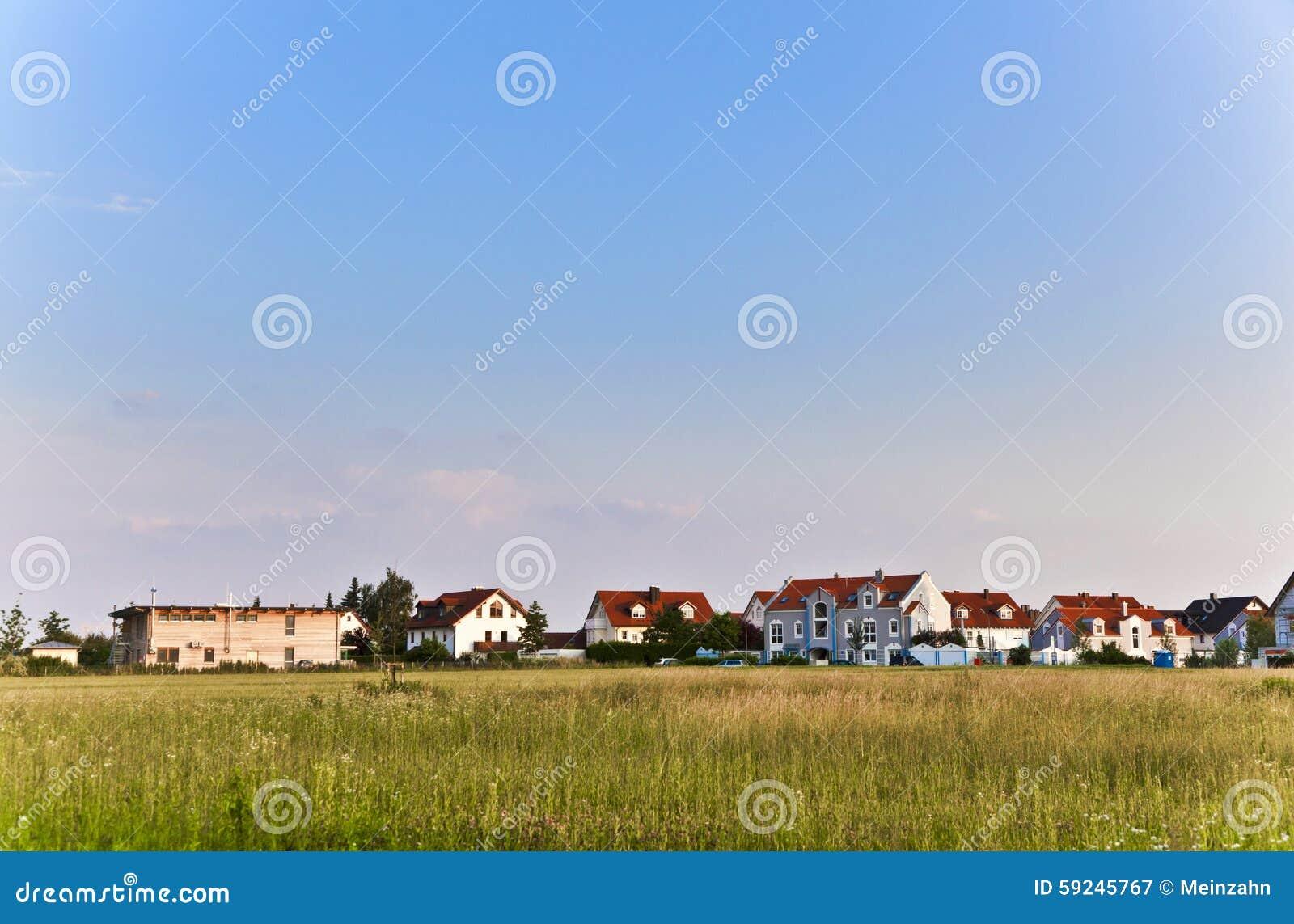 Download Área De Vivienda Hermosa En Munich Imagen de archivo - Imagen de nuevo, suburbano: 59245767