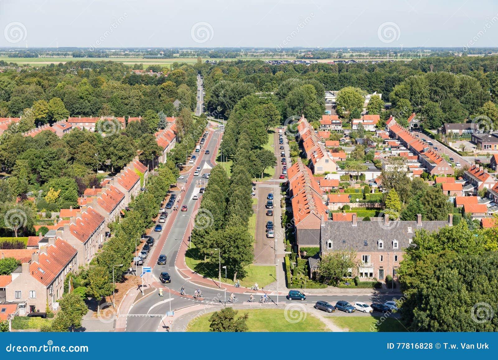 Área residencial de la visión aérea de Emmeloord, los Países Bajos