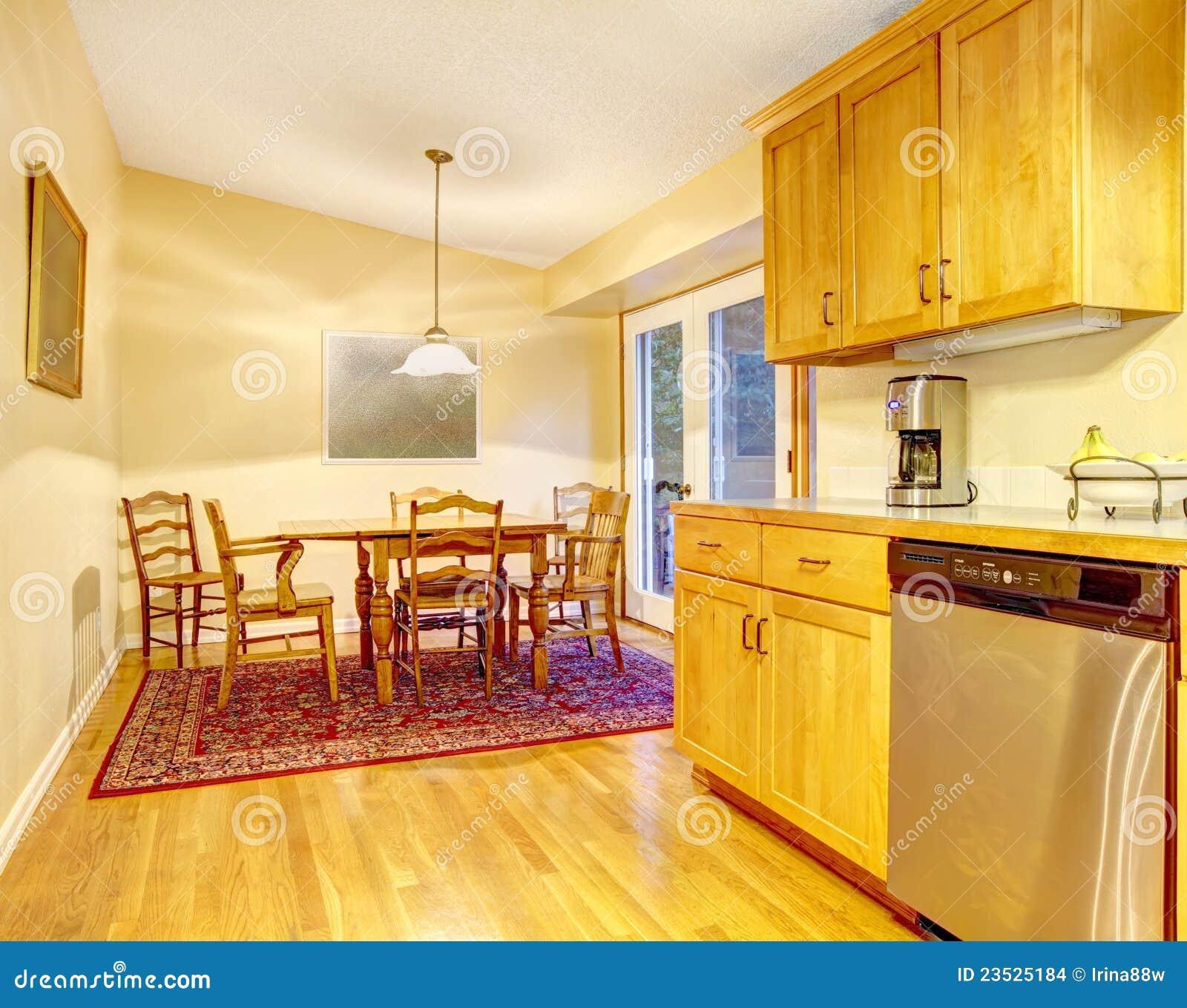 imagens similares de ` Área simples da cozinha e da sala de jantar #BC8C0F 1300 1121