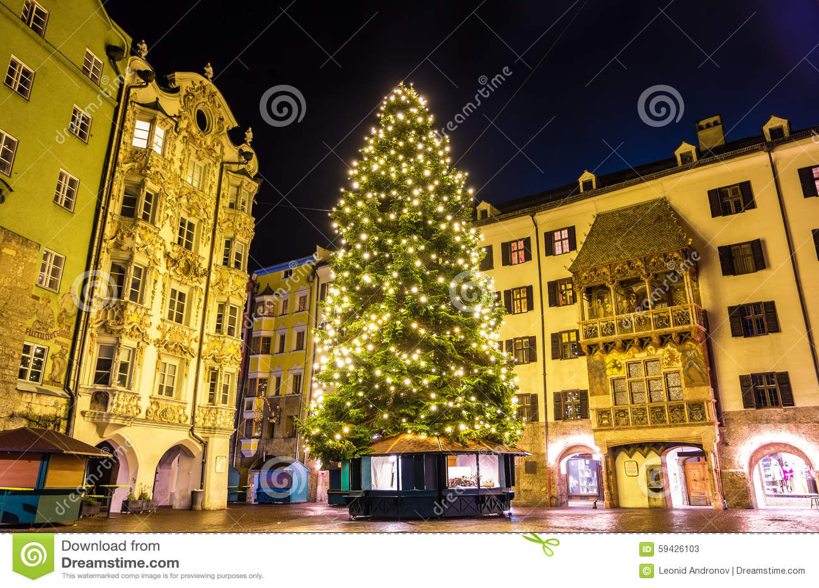 Árvore de Natal no centro de cidade de Innsbruck