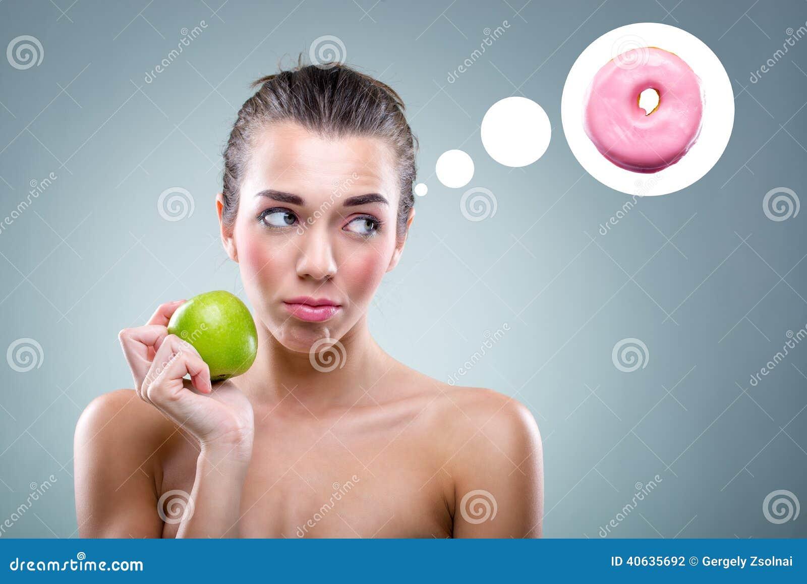 banta! Kvinnan som äter ett äpple, men honom, tänker en munk
