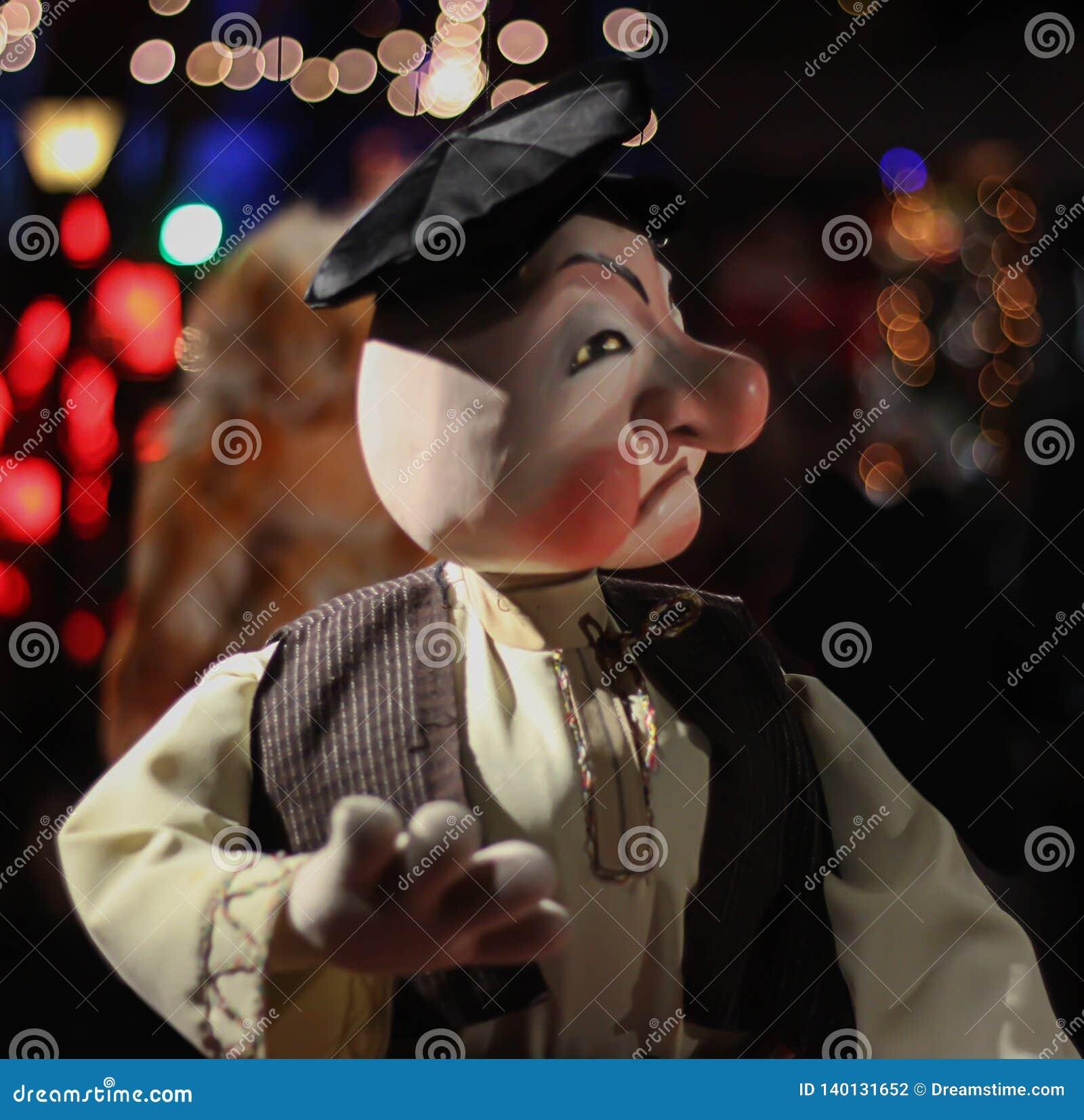 人牵线木偶-图象